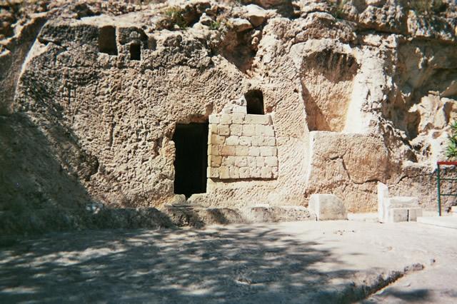 空になったイエスの墓