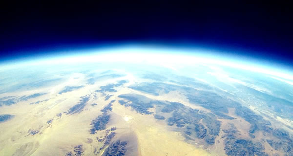 地球~初めに神は天と地を創造した