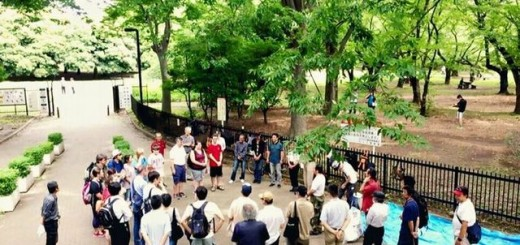 代々木公園 通路チャペルミーティング風景